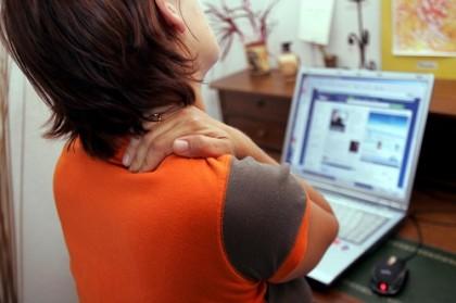 Der ergonomische Bürostuhl ermöglicht gesundes Sitzen im Büro