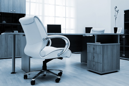 Büroeinrichtung im einheitllich gestaltet