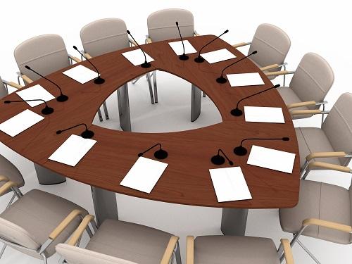 Rund oval eckig konferenztische f r jeden bedarf for Kleiner konferenztisch