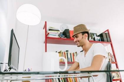 Effizient arbeiten im Home Office? Tipps für Organisation & Büroeinrichtung