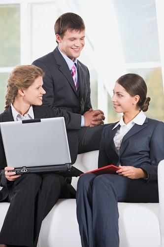 Zeitfresser Kollegen: Vielredner hören sich gerne reden und kosten Zeit