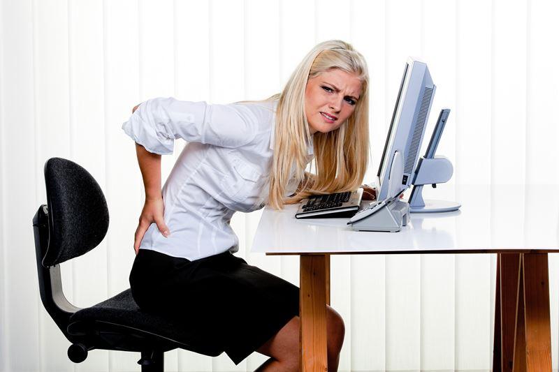 Durch dauerhafte Belastungen, durch langes sitzen, Mausklicken, Tastaturschreiben fängt der Körper an zu Schmerzen. Dies lässt sich jedoch durch ein wenig Fitness verhindern.